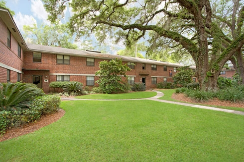 College Manor Apartments in Gainesville - Just steps away from UF