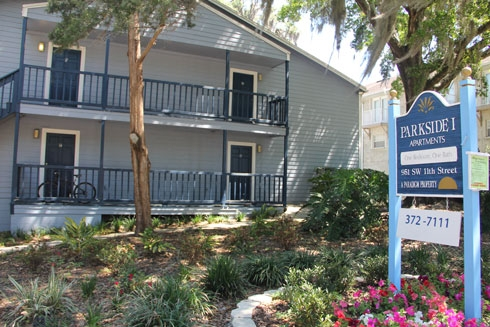 College Manor Apartments In Gainesville Just Steps Away