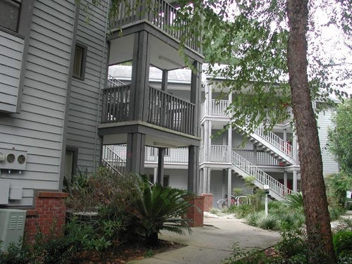 College Park Apartments In Gainesville Walk To Uf