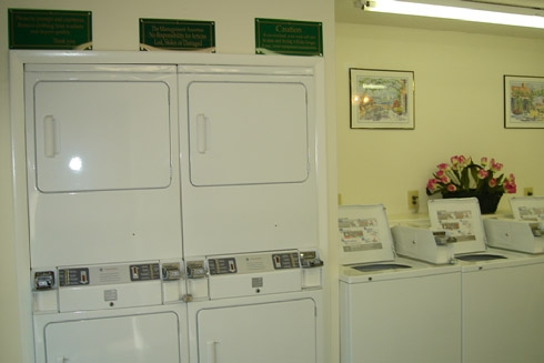 Creekwood  Laundry Room