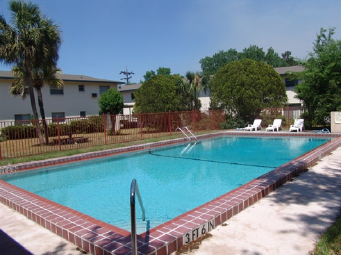 Palm Bay Apartments Pool