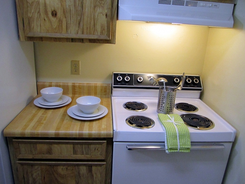 Pinetree Gardens and Colonial Oaks Apartments Kitchen 1