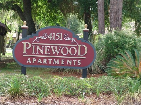 Pinewood  Entrance Sign