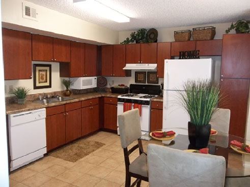 Santa Fe Oaks Apartments Eat In Kitchen With Cherry Cabinetry