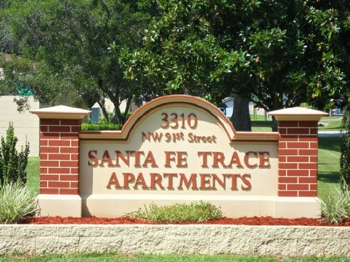 Santa Fe Trace Apartments Entrance Sign