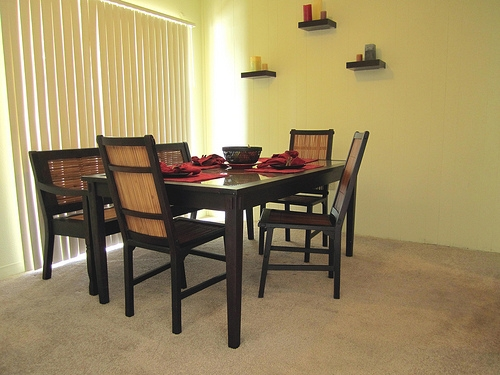 Spanish Trace Apartments Dining Area
