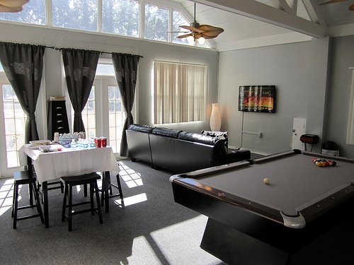 Spanish Trace Apartments Clubhouse with Pool Table