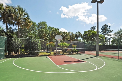 The Laurels Apartments Basketball