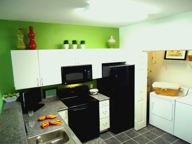 The Enclave Apartments Kitchen with All Appliances
