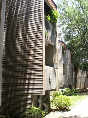 Treehouse Village Condominiums Exterior