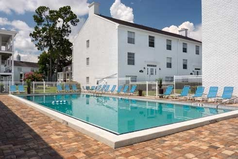Williamsburg Village Apartments Swimming Pool image 2